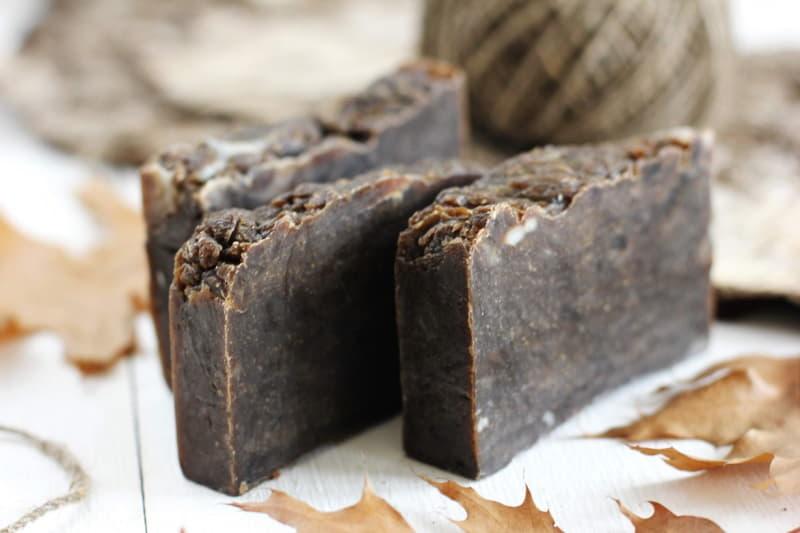 Чем полезно дегтярное мыло? 14 способов применения