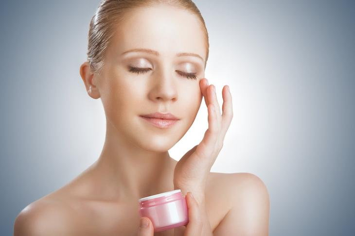 Как оживить кожу вокруг глаз? 7 проверенных способов